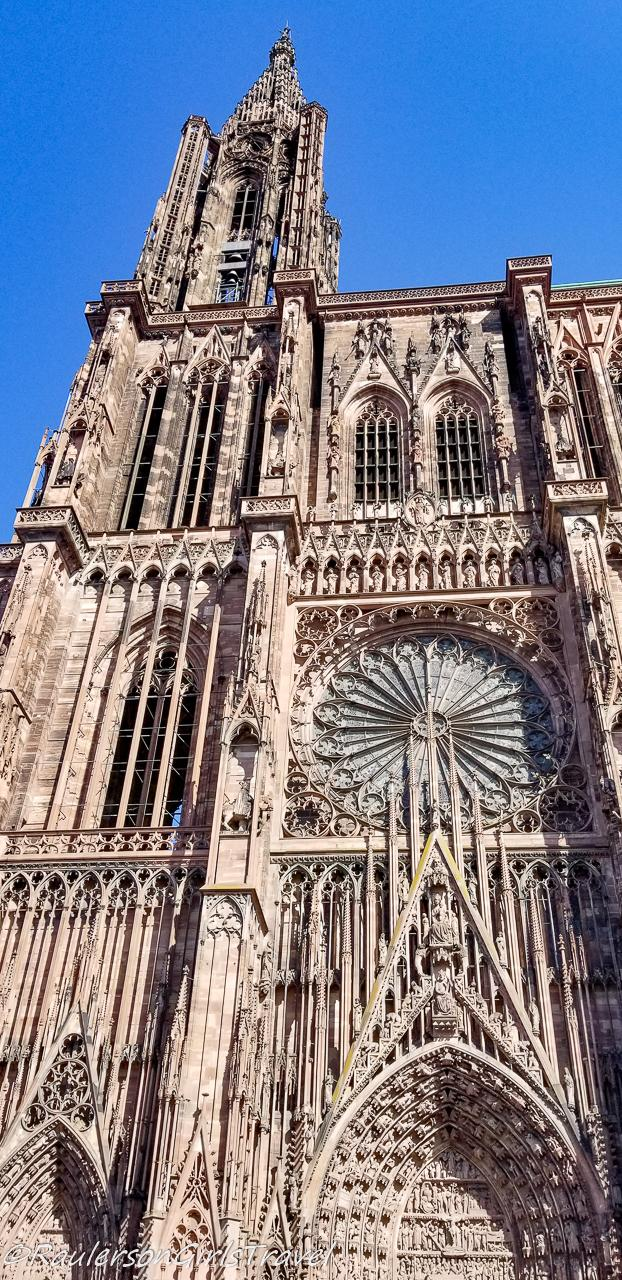 The front facade of the Strasbourg Cathedral