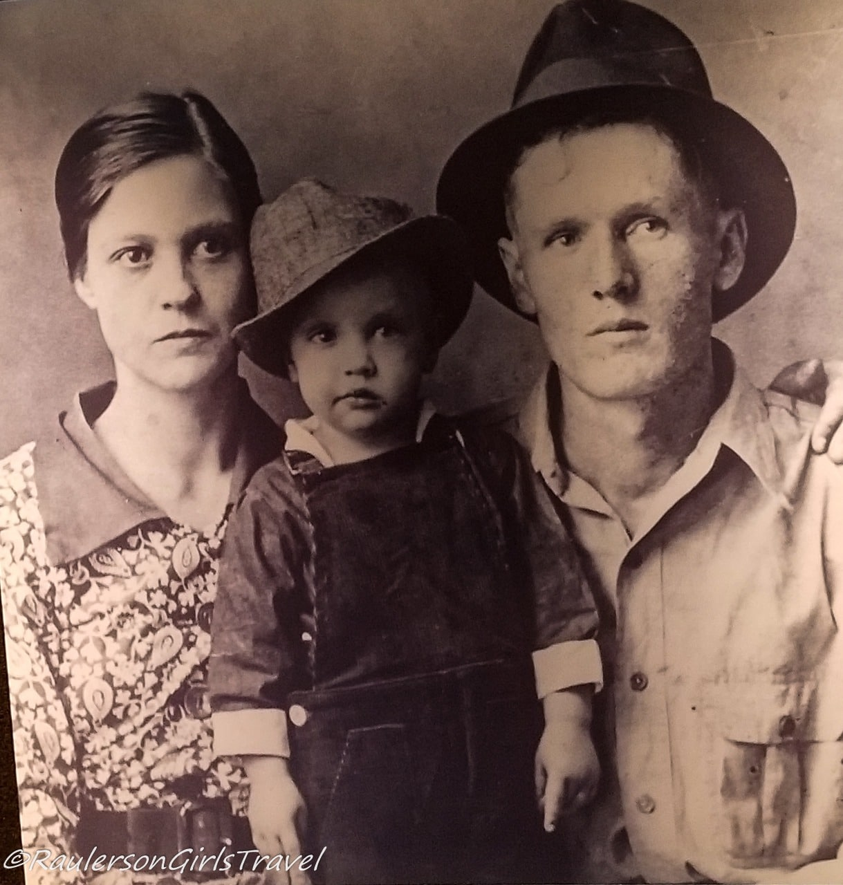 Elvis and his Parents