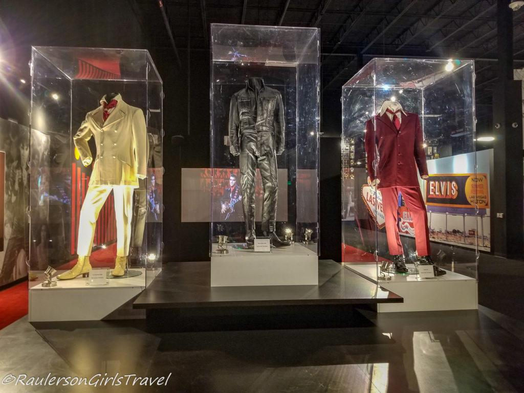 Suits Elvis wore in Movies