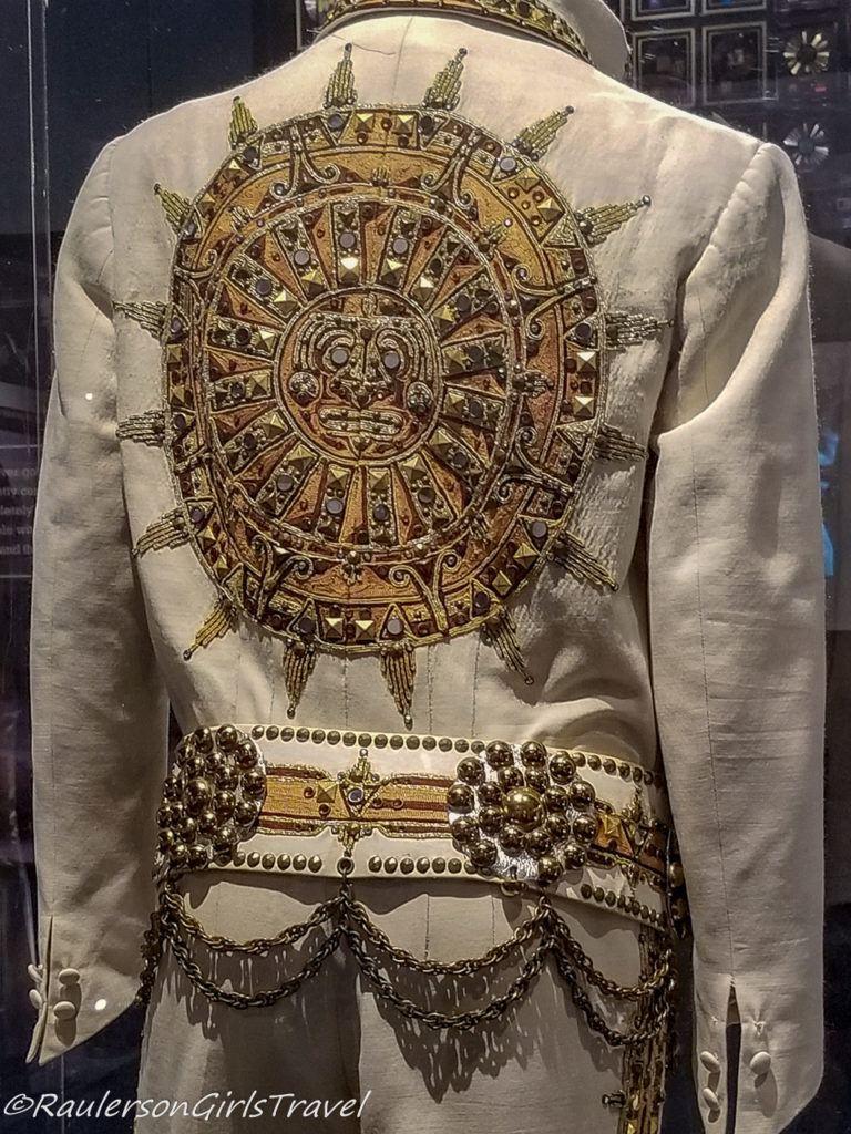 Gold Design on the back of Elvis's Suit