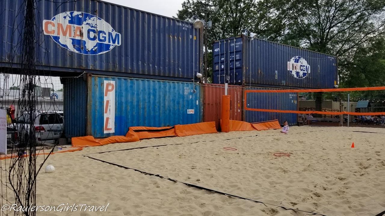 Railgarten volleyball court