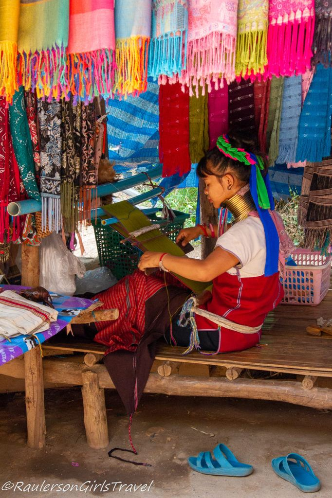 Weaving a scarf in Thailand