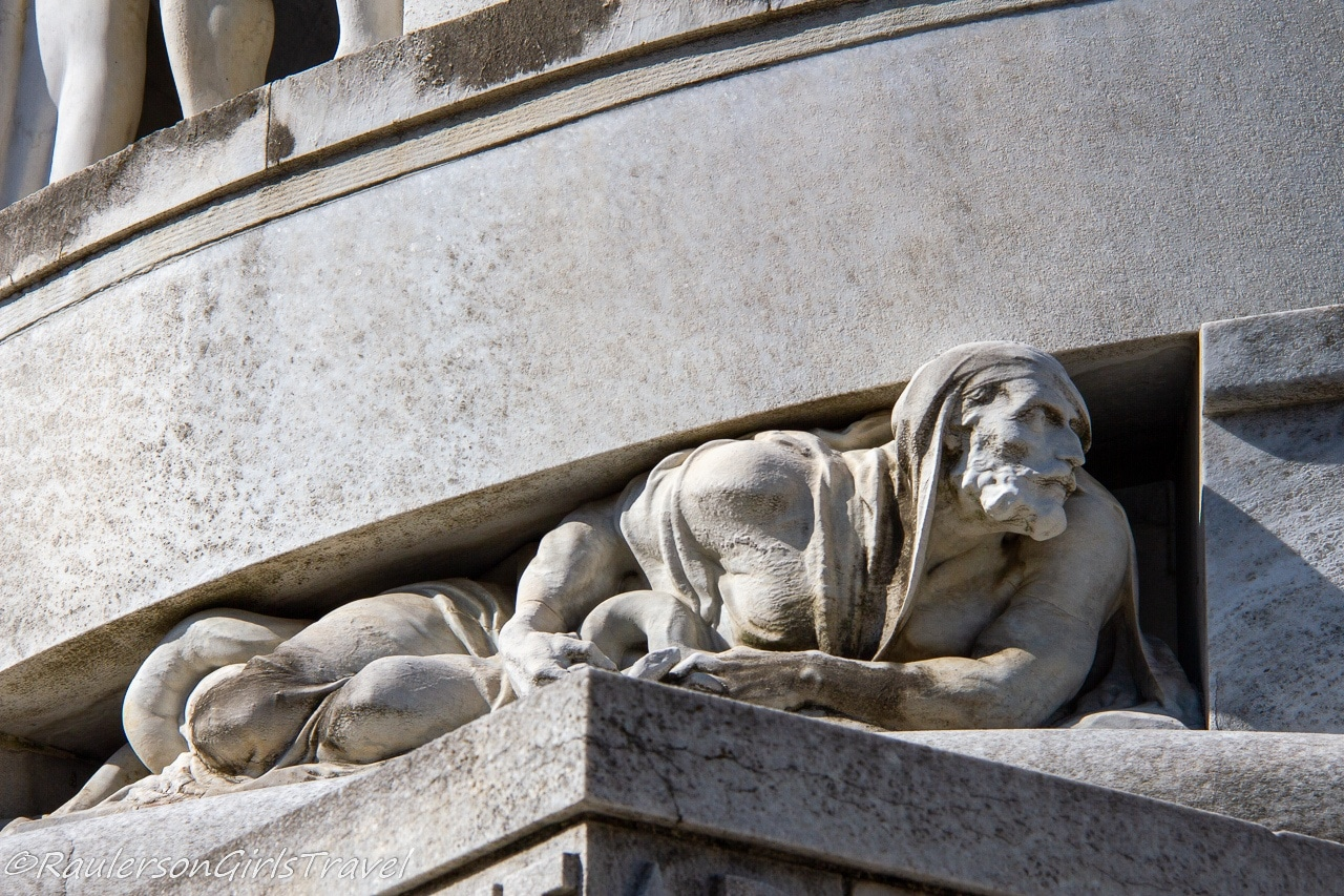 Man crushed under the weight on the Bernocchi Mausoleum