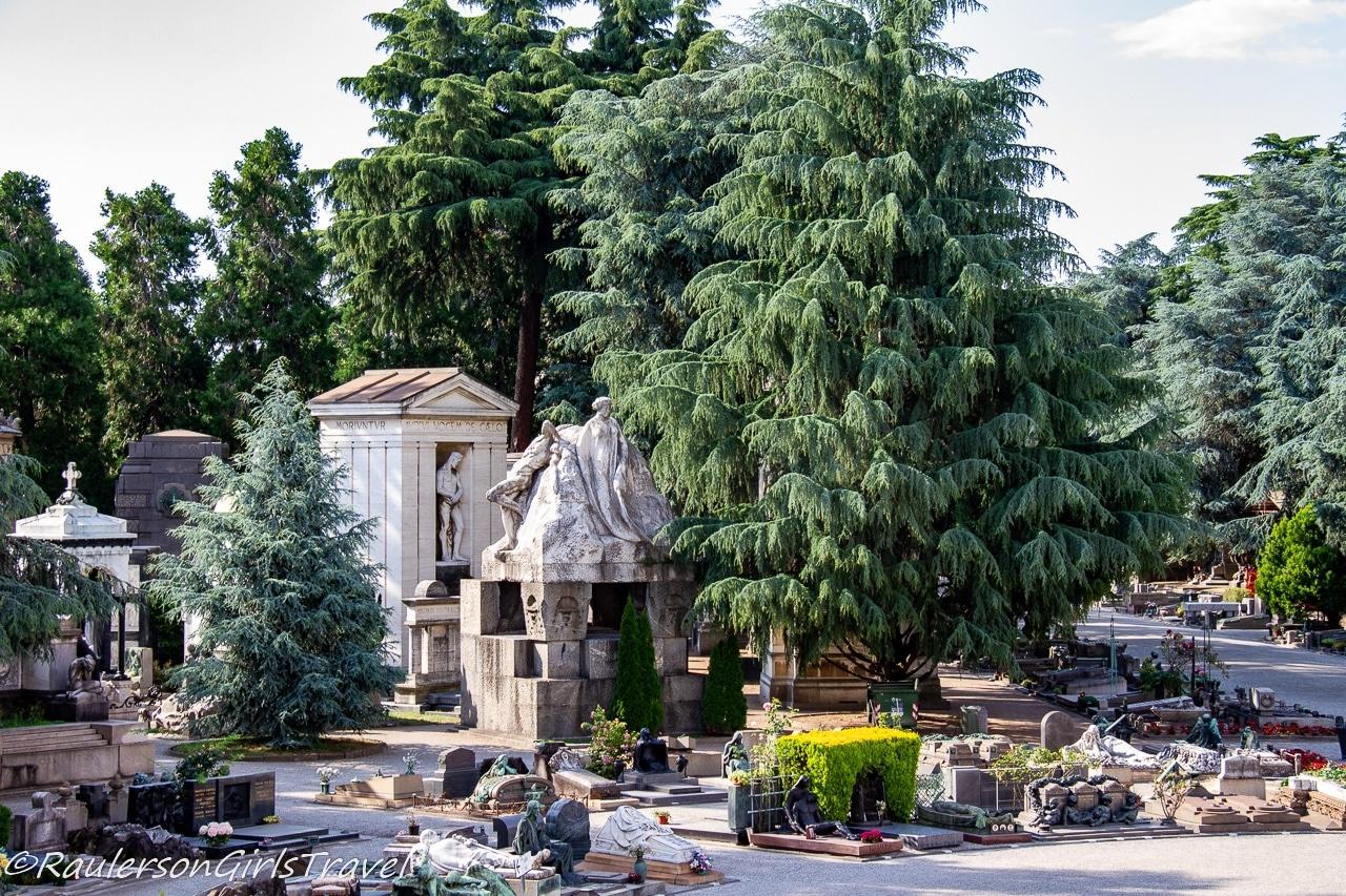 Mausoleum and Sculptures in Cimitero Monumentale