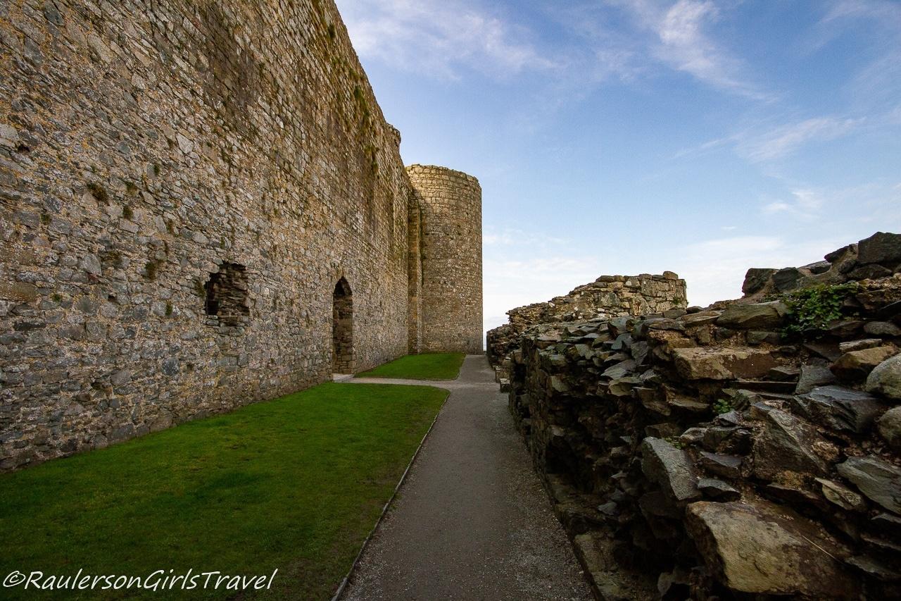Pathway around the Castle