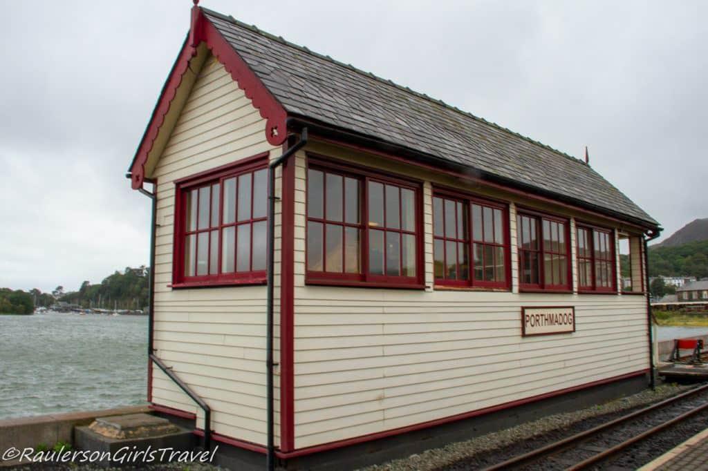 Porthmadog Train Station