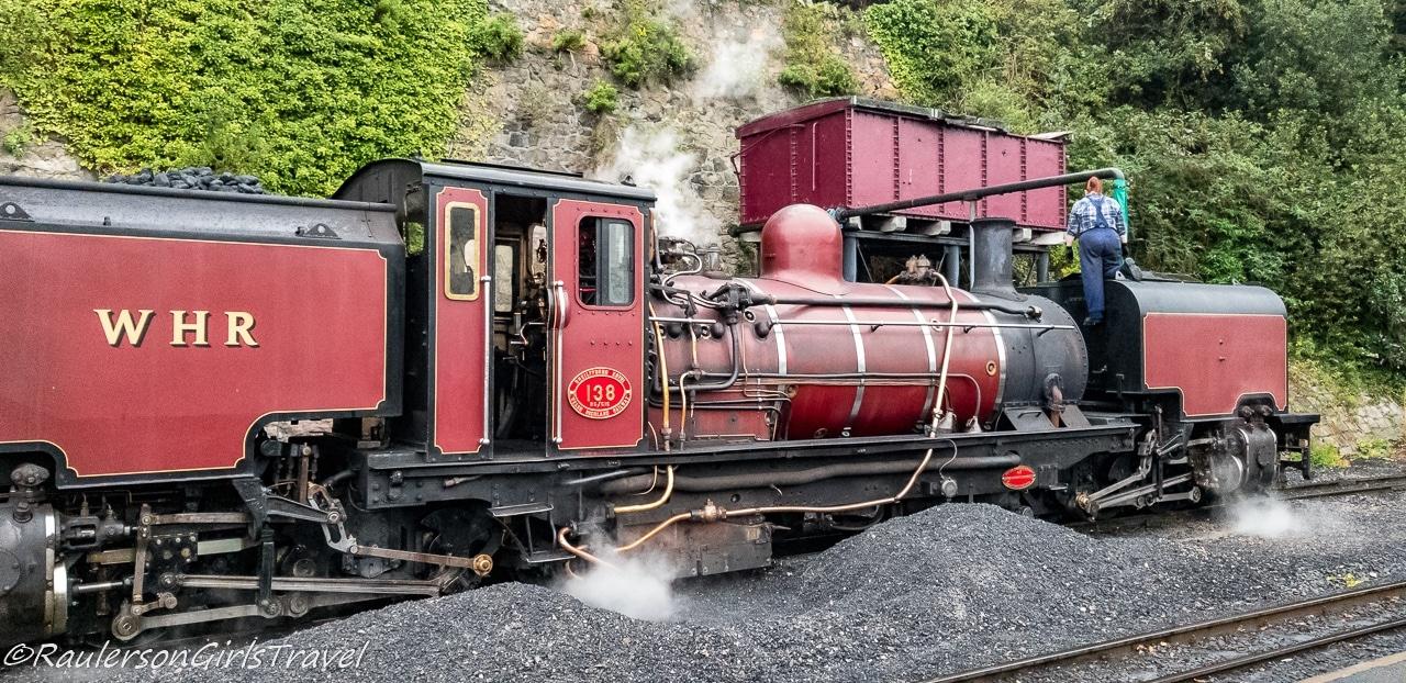 Engine getting coal
