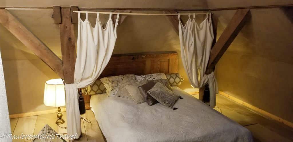 Attic Room in Abgunste Manor