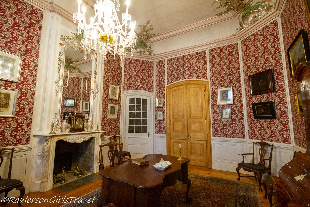 The Duke's First Study in the Palace