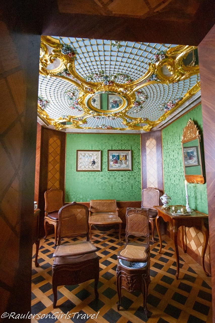 Duchess Dorothea's Bathroom