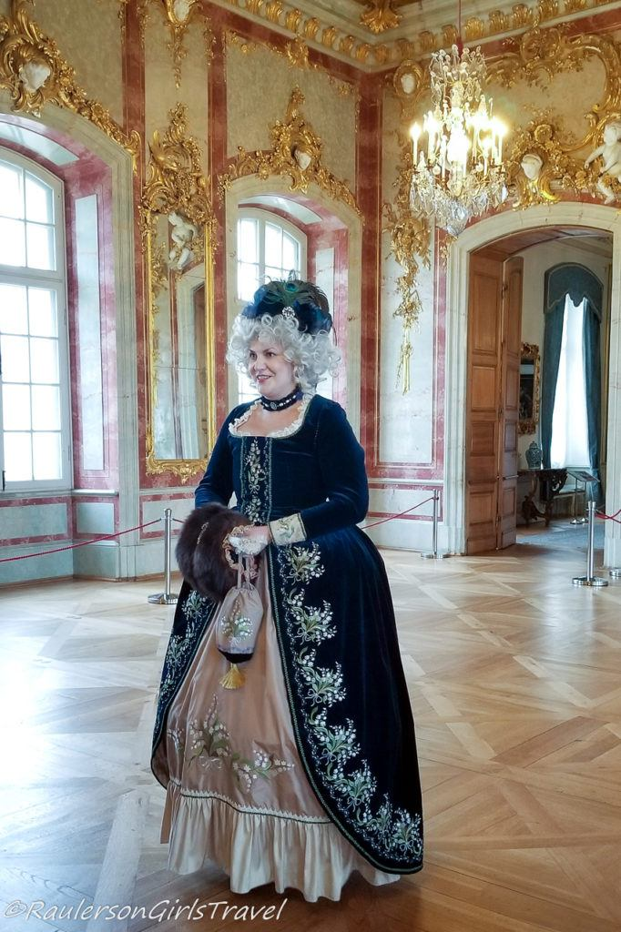 English styled dress in the Palace