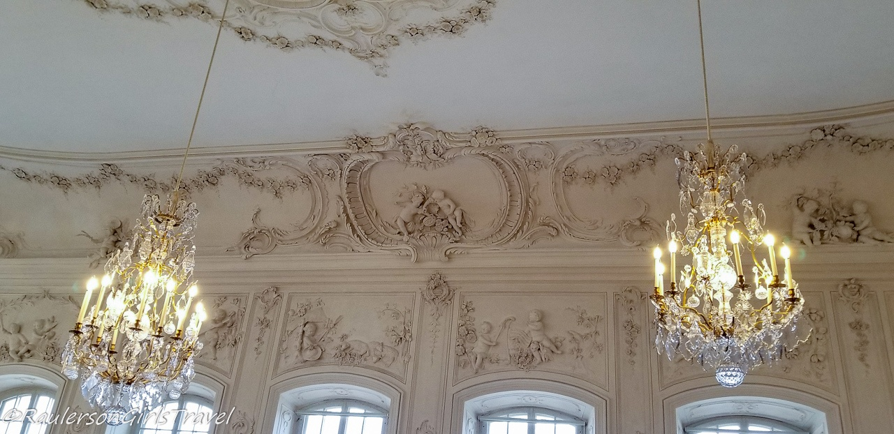 Ornate designs in the Ballroom ceiling and walls in the palace