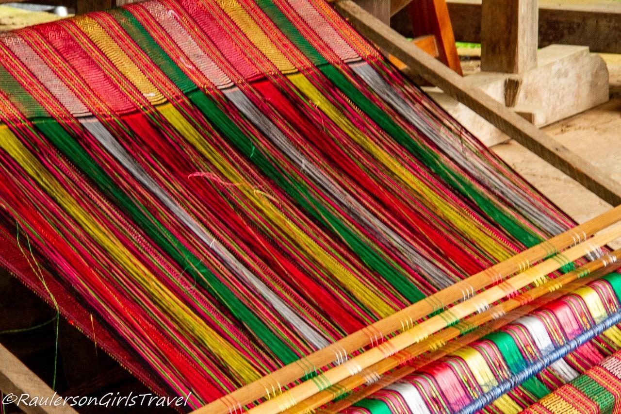 Weaving a scarf