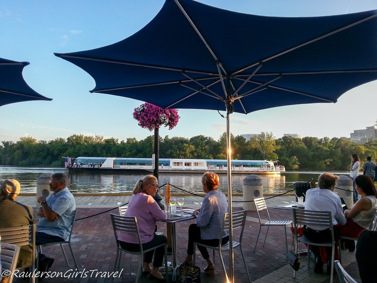 Dining on the banks of the Potomac River