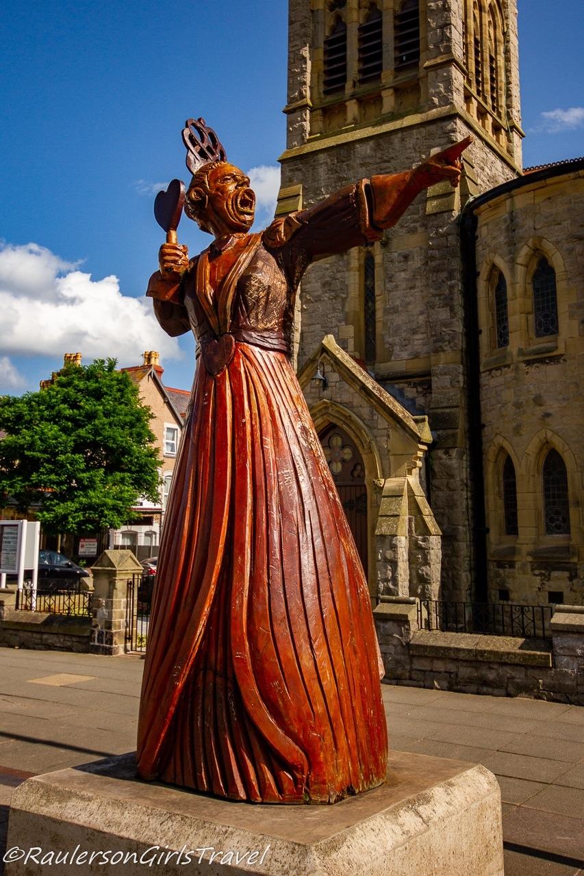 Queen of Hearts statue in Llandudno