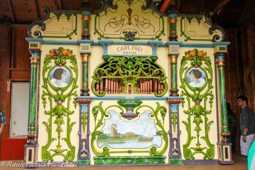 Organ at Windmill Island Gardens