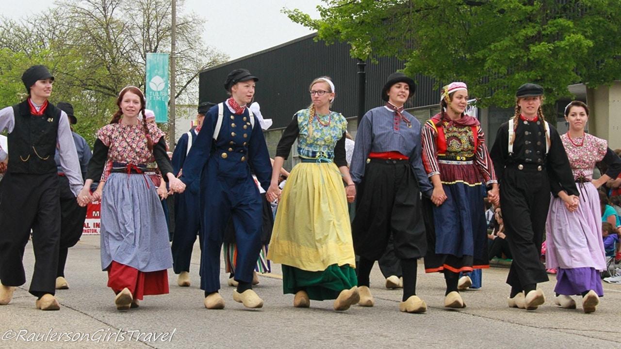 Dutch dancers in the Parade