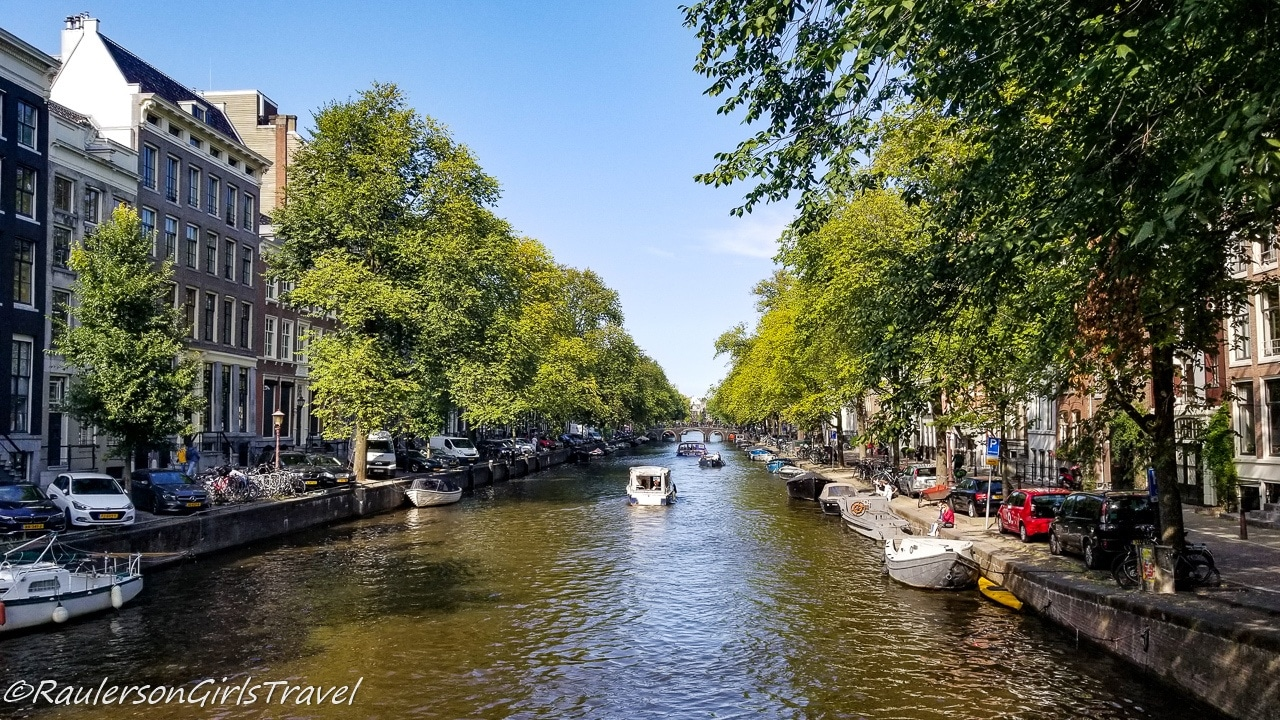 Amsterdam canal - Virtual tours around the world