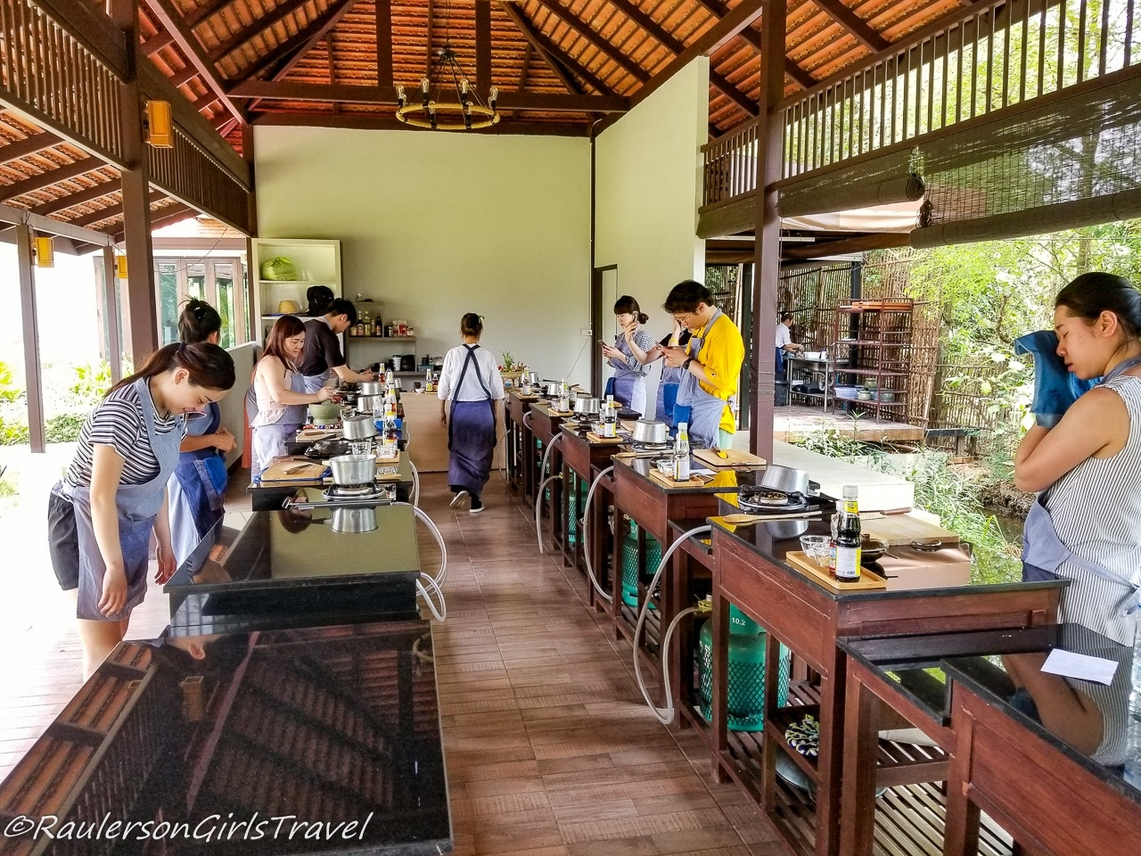 Thai cooking class at Grandmas Cooking School