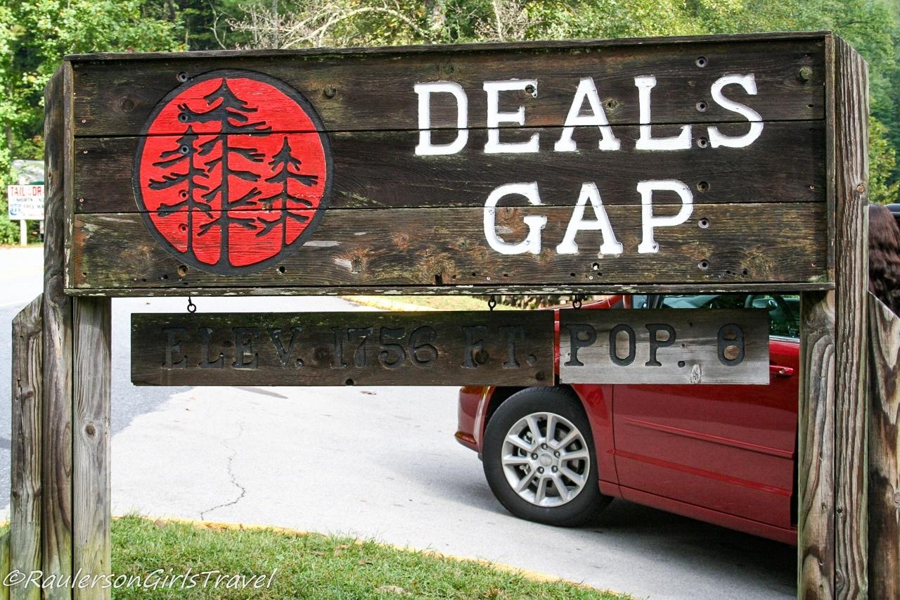 Deals Gap sign