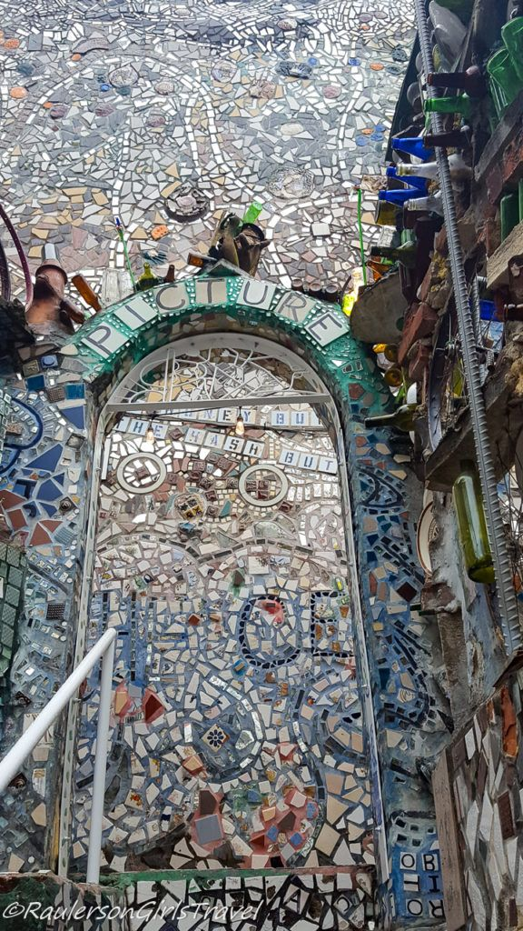 Mosaic mirror and tiles archway