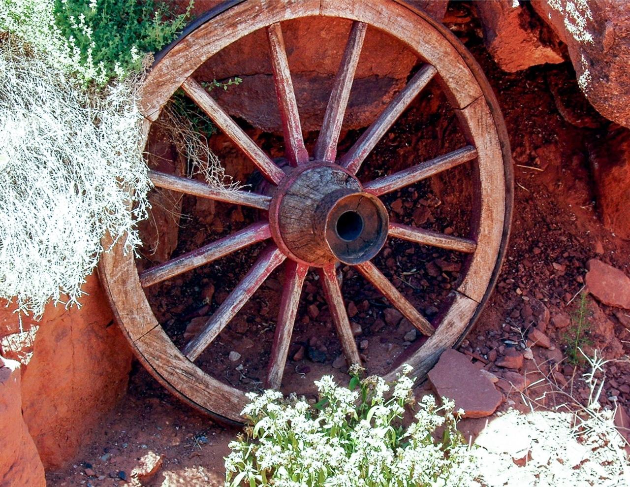Wagon Wheel at Goulding's Trading Post