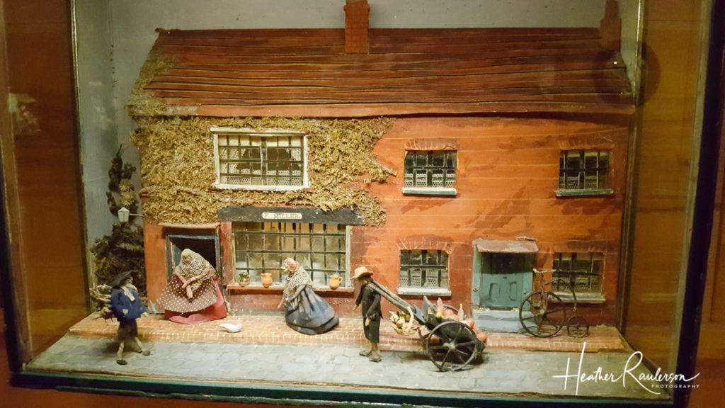 Helen Bruce Miniatures Dioramas - Outdoor Vendors