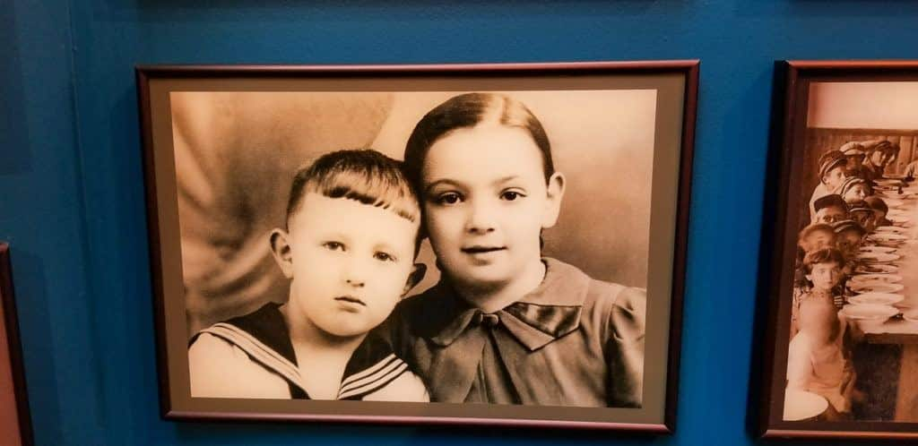 Kid Photos of the Jewish residents who lived in David-Horodok, Belarus