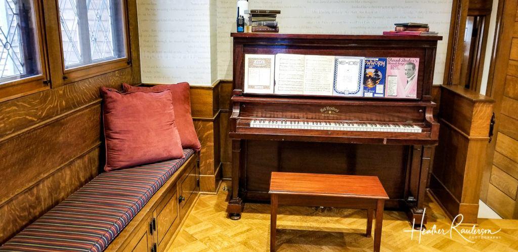 Piano in Oakhurst