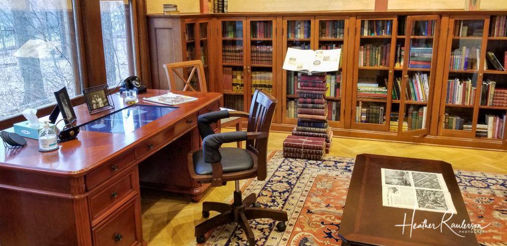 Library in Oakhurst